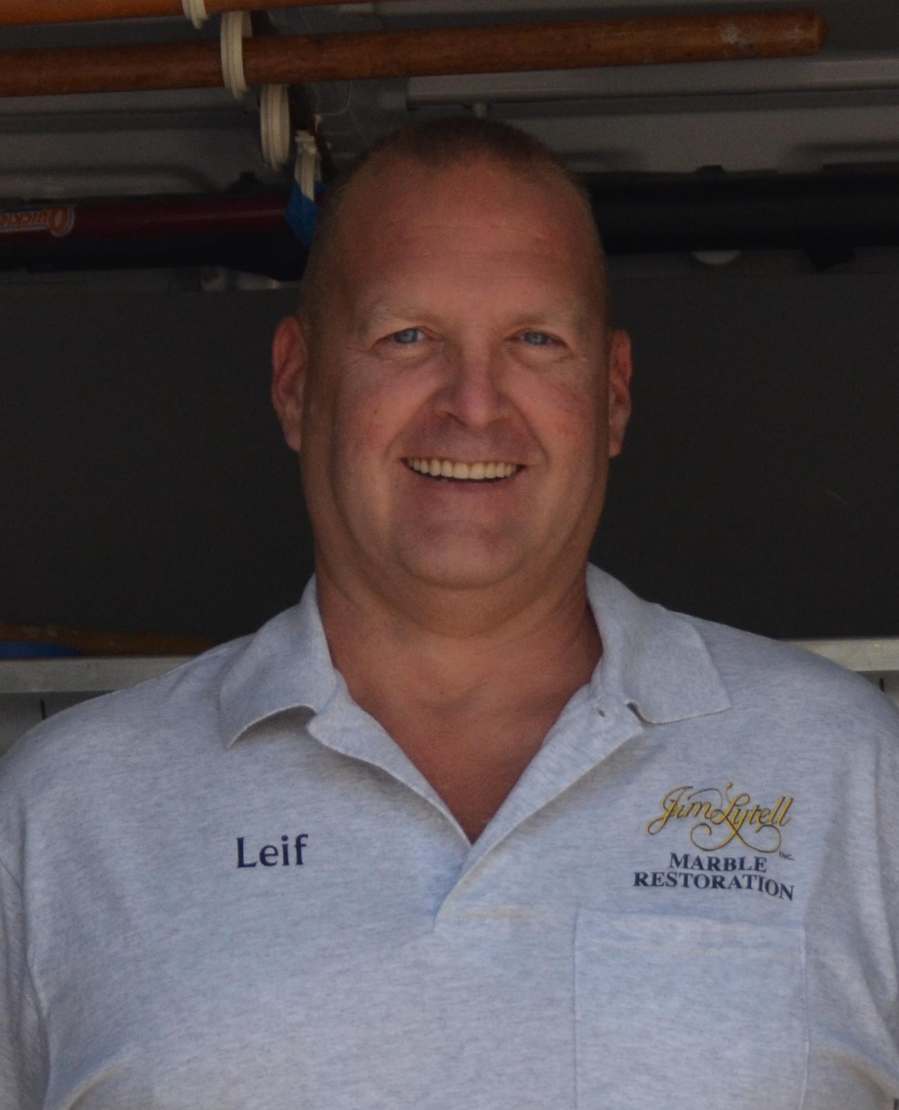 Leif : Technician